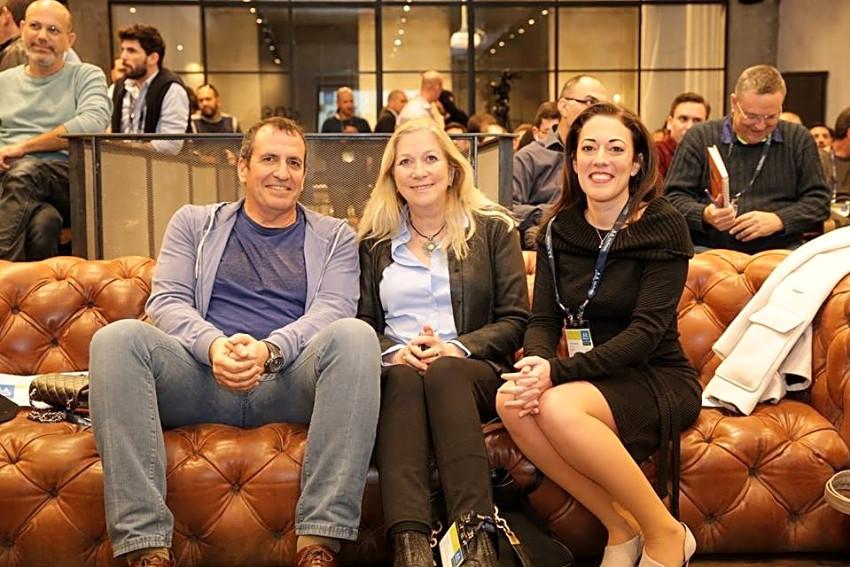 לילך דנביץ, אניה אלדן ואיל וולדמן (צילום: באדיבות מלאנוקס)