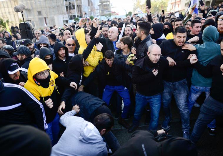 הפגנות מחוץ לבית הדין בעת ההכרעה במשפט אלאור אזריה