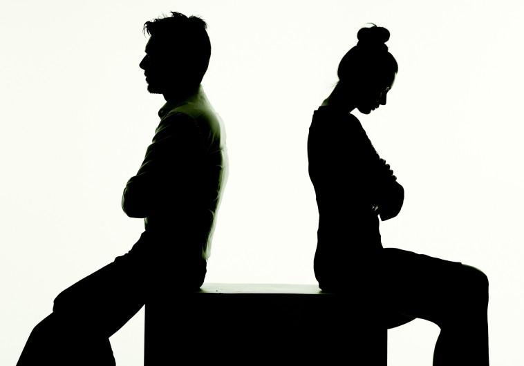 """הבעל רכש 4 טלוויזיות, אשתו מבקשת צו הרחקה: """"המונדיאל הפך אותו לאלים"""""""