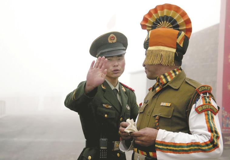 הסכסוך בין שתי מעצמות הגרעין סין והודו מאיים על העולם