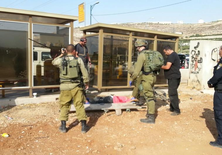 """חיילי צה""""ל בקריית ארבע לאחר ניסיון פיגוע"""
