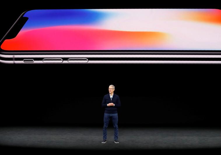 טים קוק באירוע של אפל
