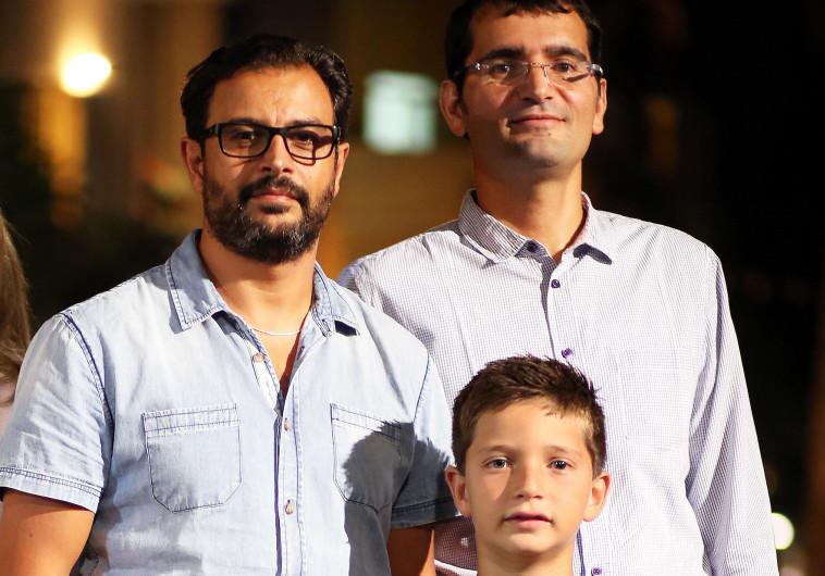 יאיר ישראל טוויל (מימין), הילד יאיר שטרן ודרור יאיר אסא