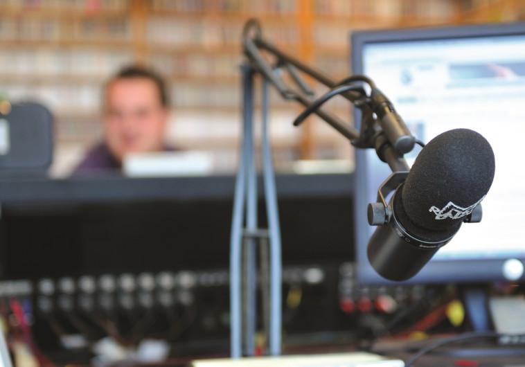 לא רק בשוליים: כך גילו כלי תקשורת המיינסטרים את תוכניות הרדיו האינטרנטיות