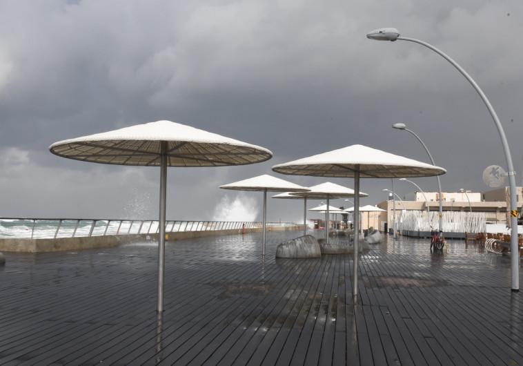 נמל תל אביב בגשם