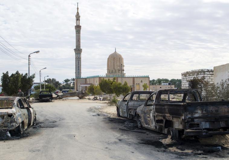זירת הפיגועים במסגד אל-רוואדה בסיני