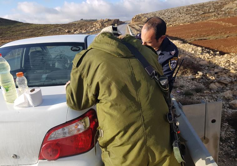 השוטר והחייל מתדלקים לחני לביא