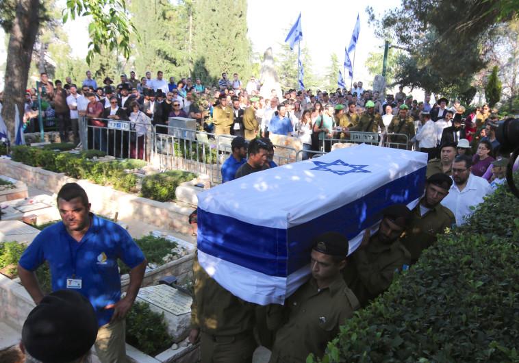 """הלווייתו של סמל אליהו דרורי ז""""ל. צילום: מרק ישראל סלם"""