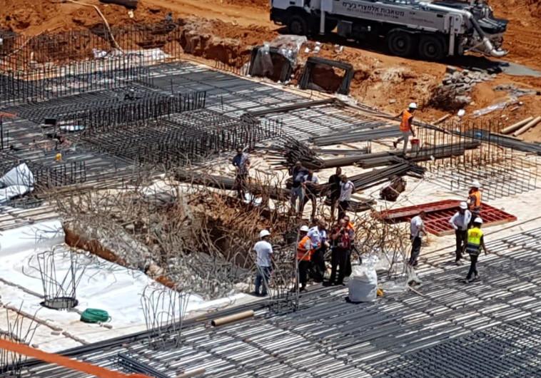 קריסה באתר בנייה בפתח תקוה