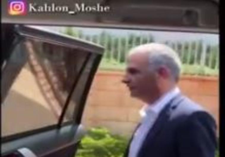 """משה כחלון בסרטון """"אתגר הקיקי"""""""