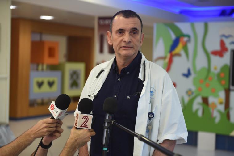 """פרופ' דרור מנדל, מנהל הפגייה בבית החולים """"דנה"""". צילום: אבשלום ששוני"""