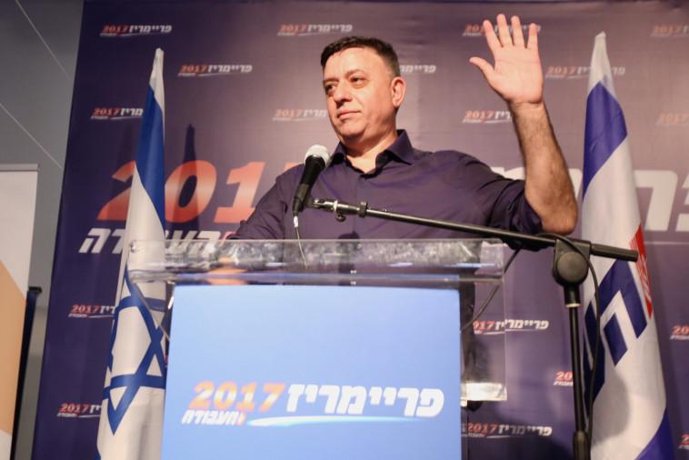 גבאי חוגג את הניצחון בבחירות בעבודה. יותר נגיש ופחות סלב מלפיד. צילום: מרק ישראל סלם
