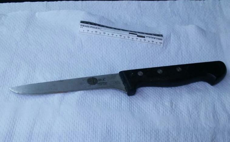 הסכין שבו השתמשה המחבלת. צילום: דוברות המשטרה