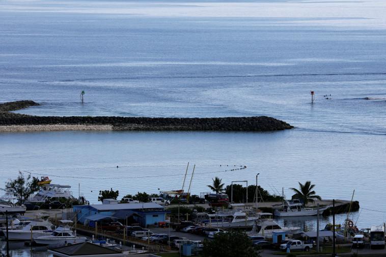 התושבים בחוף ולא במקלטים. גואם, צילום: רויטרס