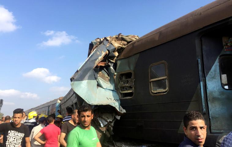 23 מהפצועים זקוקים לטיפול כירורגי. תאונת הרכבת במצרים, צילום: רויטרס