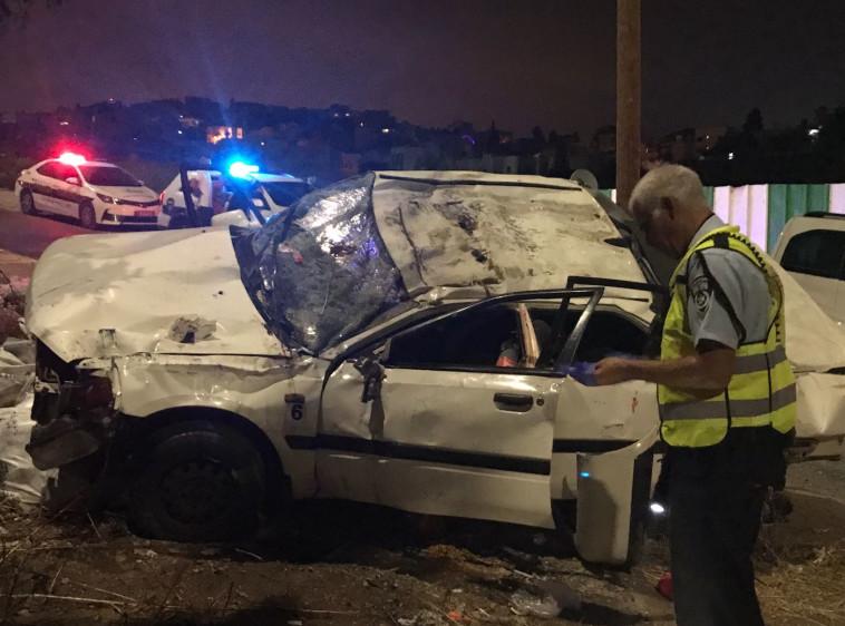 """הרכב המרוסק באזור האירוע בכביש 75. צילום: מד""""א"""