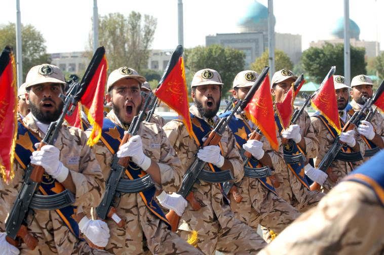 """חיילים איראנים. בצה""""ל דורשים מהרוסים להרחיק אותם מהגבול. צילום: רויטרס"""
