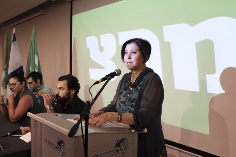 """""""לא לוקחת אצלו שיעורים ביהדות"""". זהבה גלאון, צילום: תומר נויברג"""