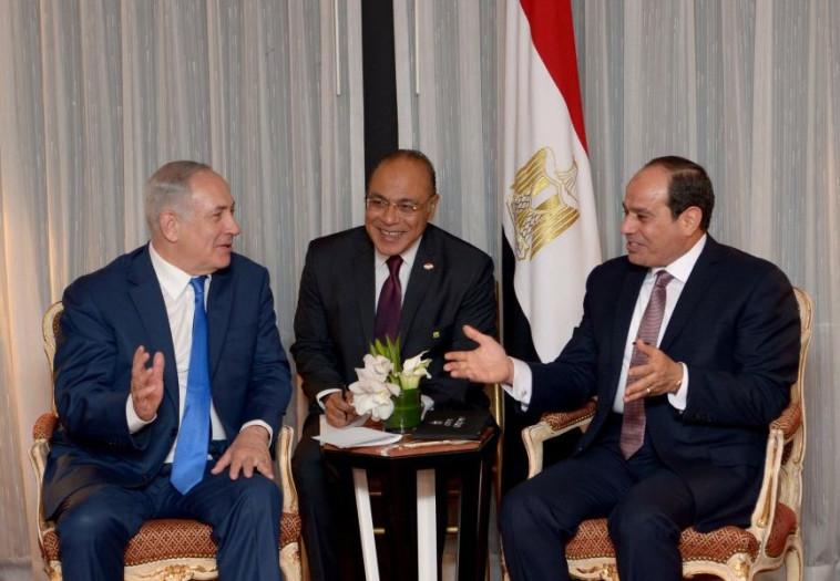 """נתניהו וא-סיסי. לפי הדיווח, נשיא מצרים תומך בתכנית. צילום: אבי אוחיון, לע""""מ"""