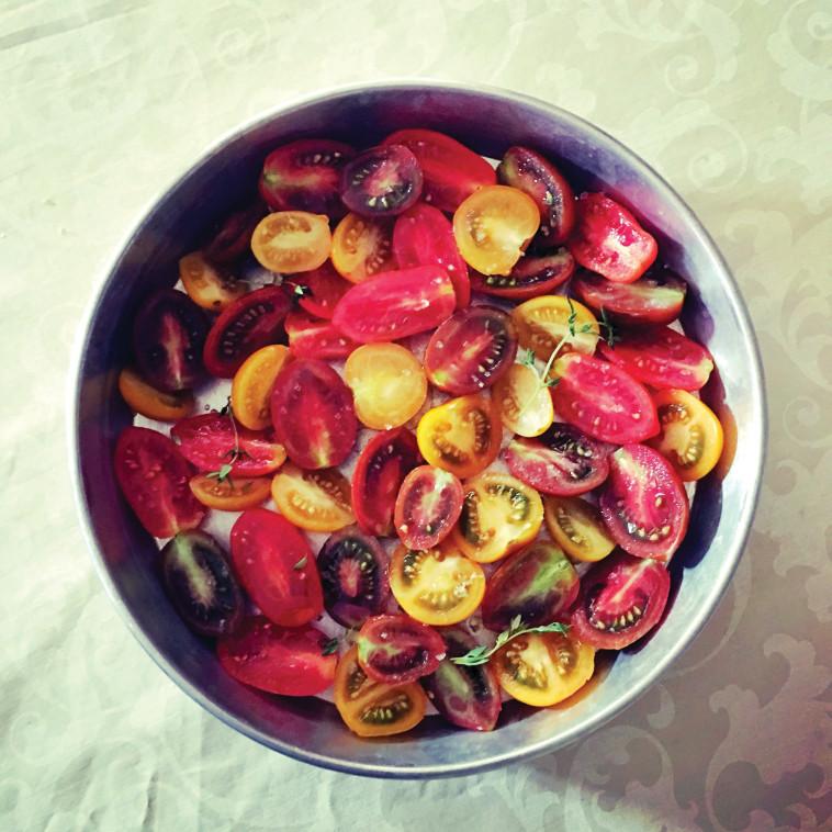 עגבניות אפויות. צילום: פסקל פרץ רובין