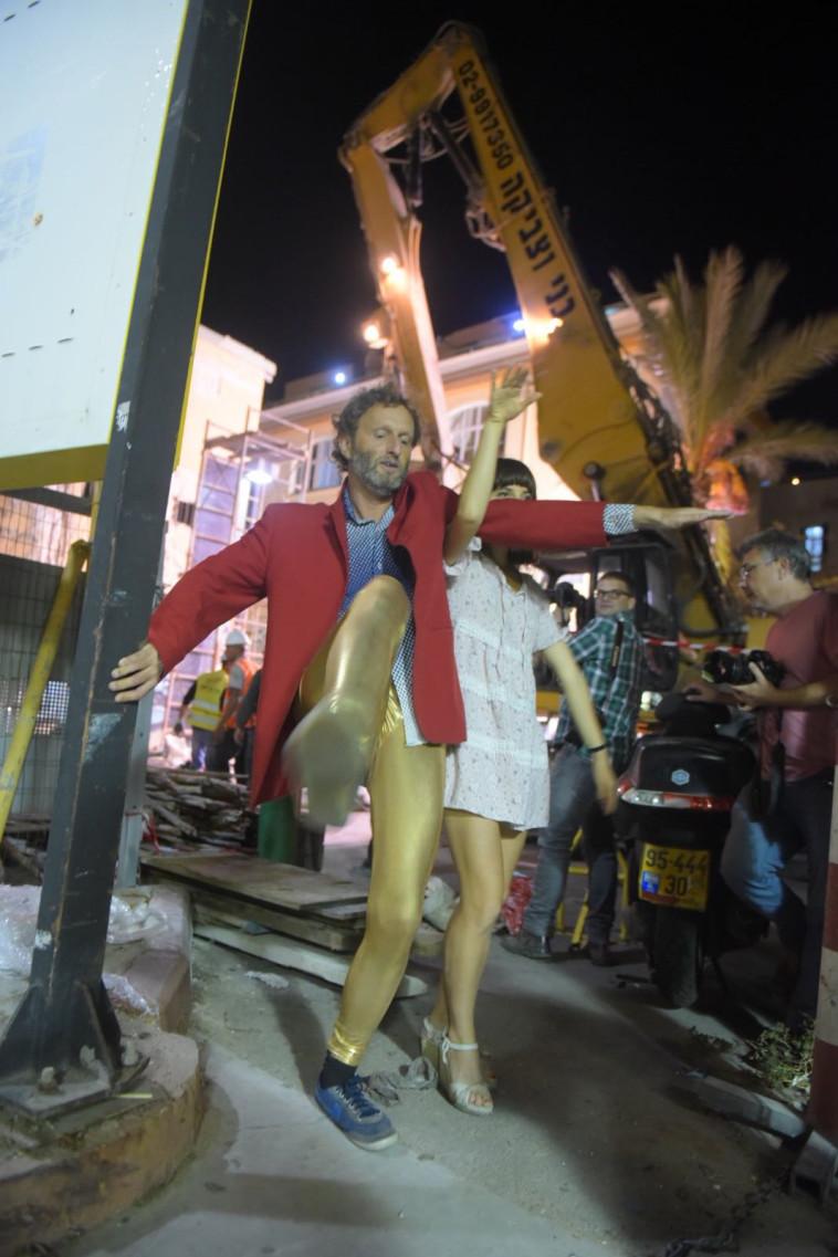 רוקדים לזכר תל אביב הקטנה. צילום: אבשלום ששוני