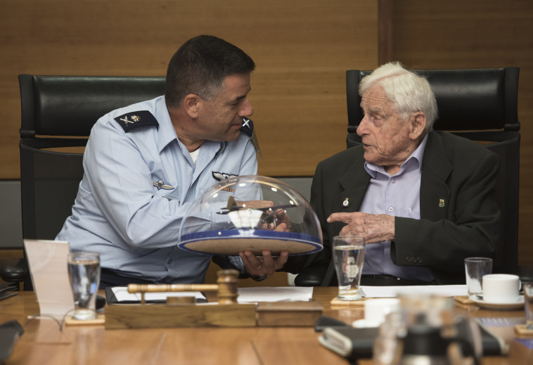 """מפקד חיל האוויר עמיקם נורקין. צילום: דו""""צ"""