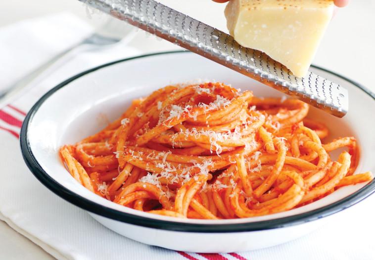 מקרוני ברוטב חמאת עגבניות