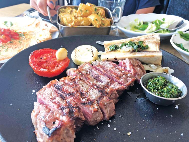 """מסעדת """"אנגוס"""". צילום: מיטל שרעבי"""