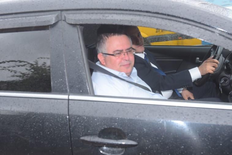 דוד ביטן מגיע לחקירה בלהב 433. צילום: אבשלום ששוני