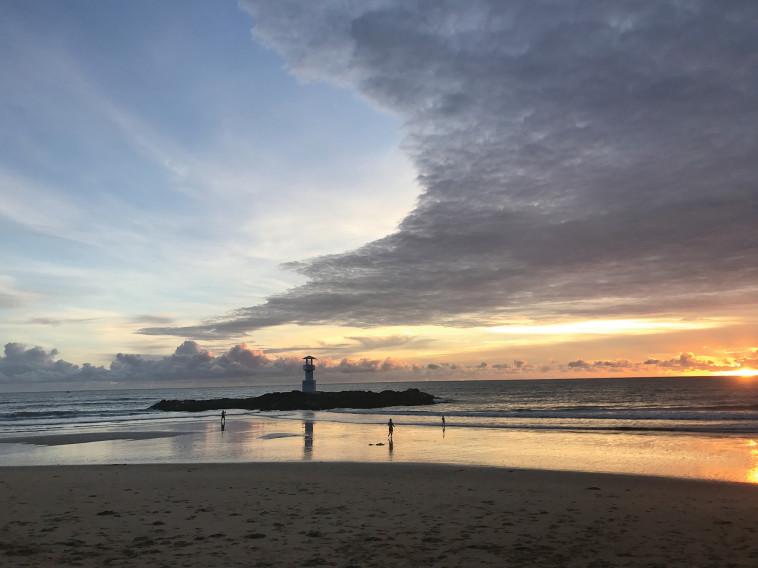 למשפחות שמחפשות נופש איכותי. חוף קאו לאק. צילום: רוב טינן