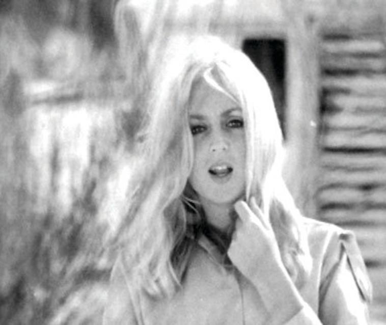 מירי אלוני בצעירותה. צלם : באדיבות שמעון וייצמן