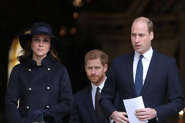 בני המשפחה, הנסיך וויליאם, הנסיך הארי, קייט מידלטון. Getty images