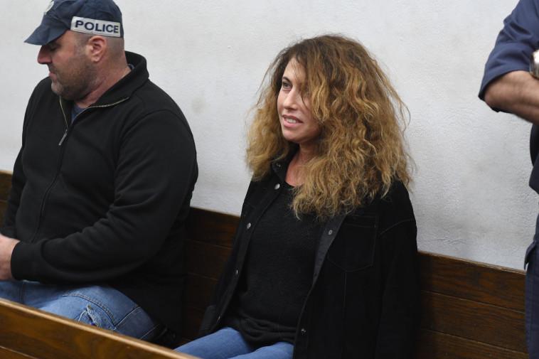 סטלה הנדלר בבית המשפט. צילום: אבשלום ששוני