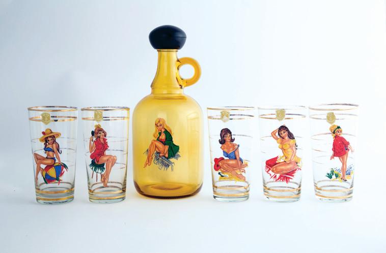 ישראליאנה בזכוכית במוזא. הדר סייפן