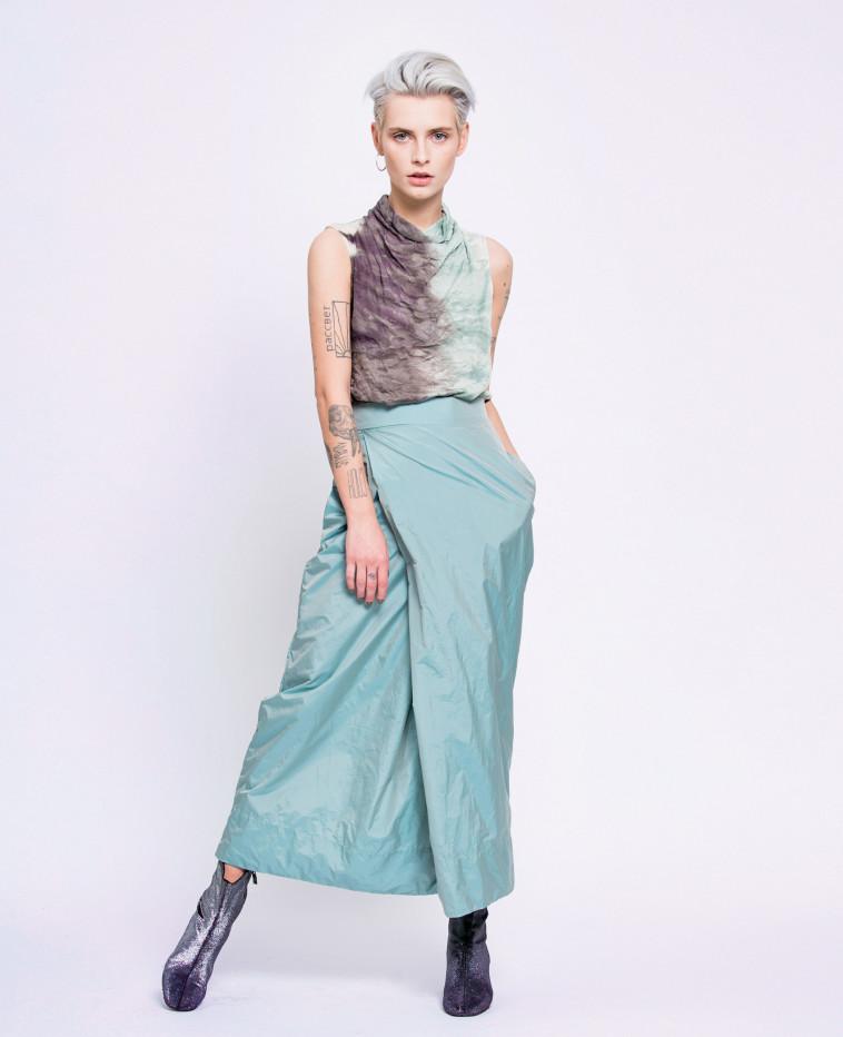חולצה - 265 שקל, חצאית - 620 שקל, תמי חומסקי