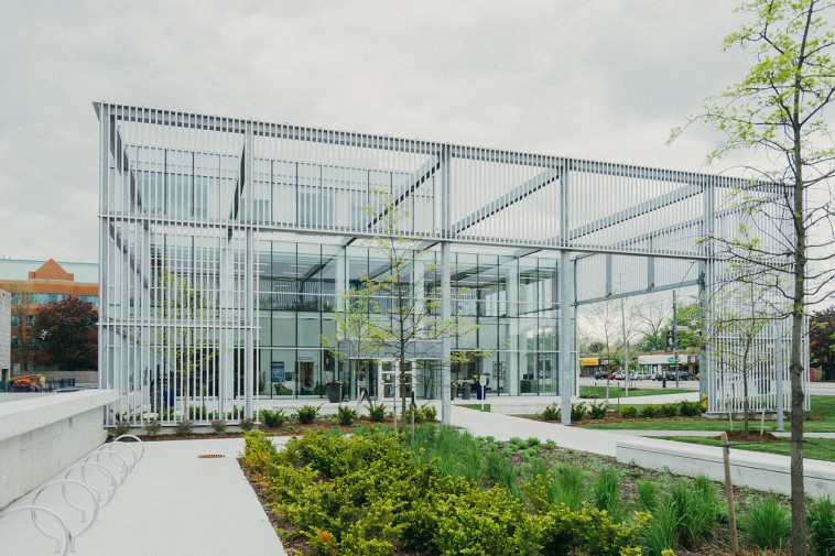 מבנה חדשני - 100% בנייה ירוקה. צילום: ביגסטוק