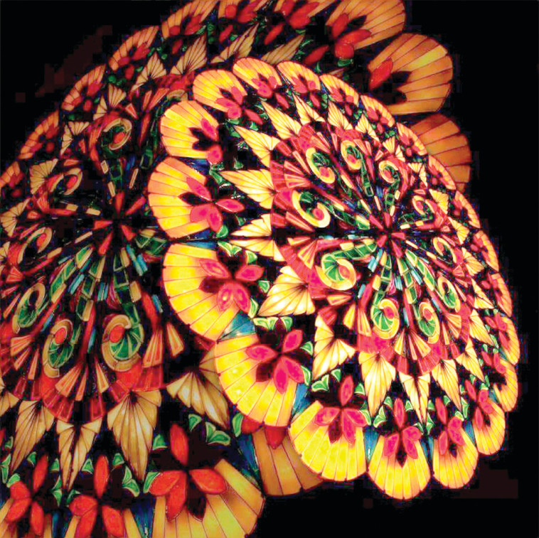 """פסטיבל אור ירושלים: המיצג """"פנס של ענקים"""". צילום: Arvin Quiwa , יח""""צ"""