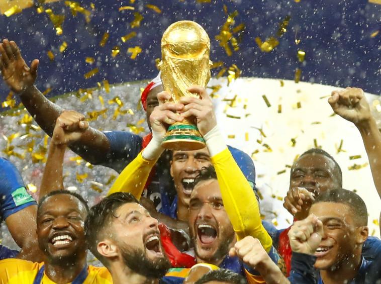צרפת זוכה בגביע העולם. רויטרס