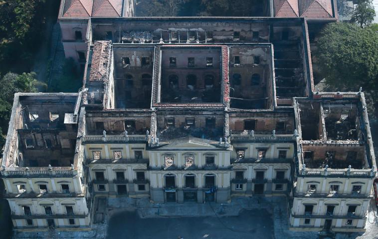 רק לאחרונה התקבל אישור לשיפוץ נרחב, כלל התקנת מתזים לכיבוי אש. המוזיאון אחרי השריפה. צילום: רויטרס