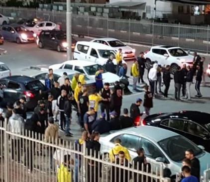 אוהדי מכבי תל אביב מחוץ לאצטדיון דוחא