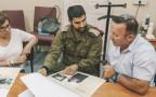 """מפגש בין רס""""ן אלוק למשפחת אביתר תורג"""
