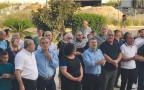 """יו""""ר ועדת המעקב וחברי כנסת מהרשימה המשותפת בהפגנה מול משטרת חיפה"""