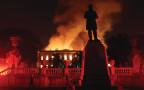 המוזיאון הלאומי בריו עולה באש