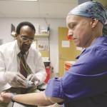 מטפלת מקבלת כימותרפיה