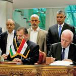 """החתימה על הסכם הפיוס בין פת""""ח לחמאס"""