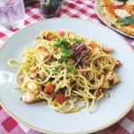 """ספגטי הום מייד מעודן ששוחה בטעמים עשירים. מנת אמלפי ב""""ג"""