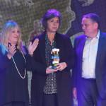 """אסתר פלד זכתה בפרס """"ספיר"""" לשנת 2017 על ספרה ״פתח גדול מלמטה"""""""