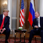טראמפ ופוטין בתחילת הפסגה