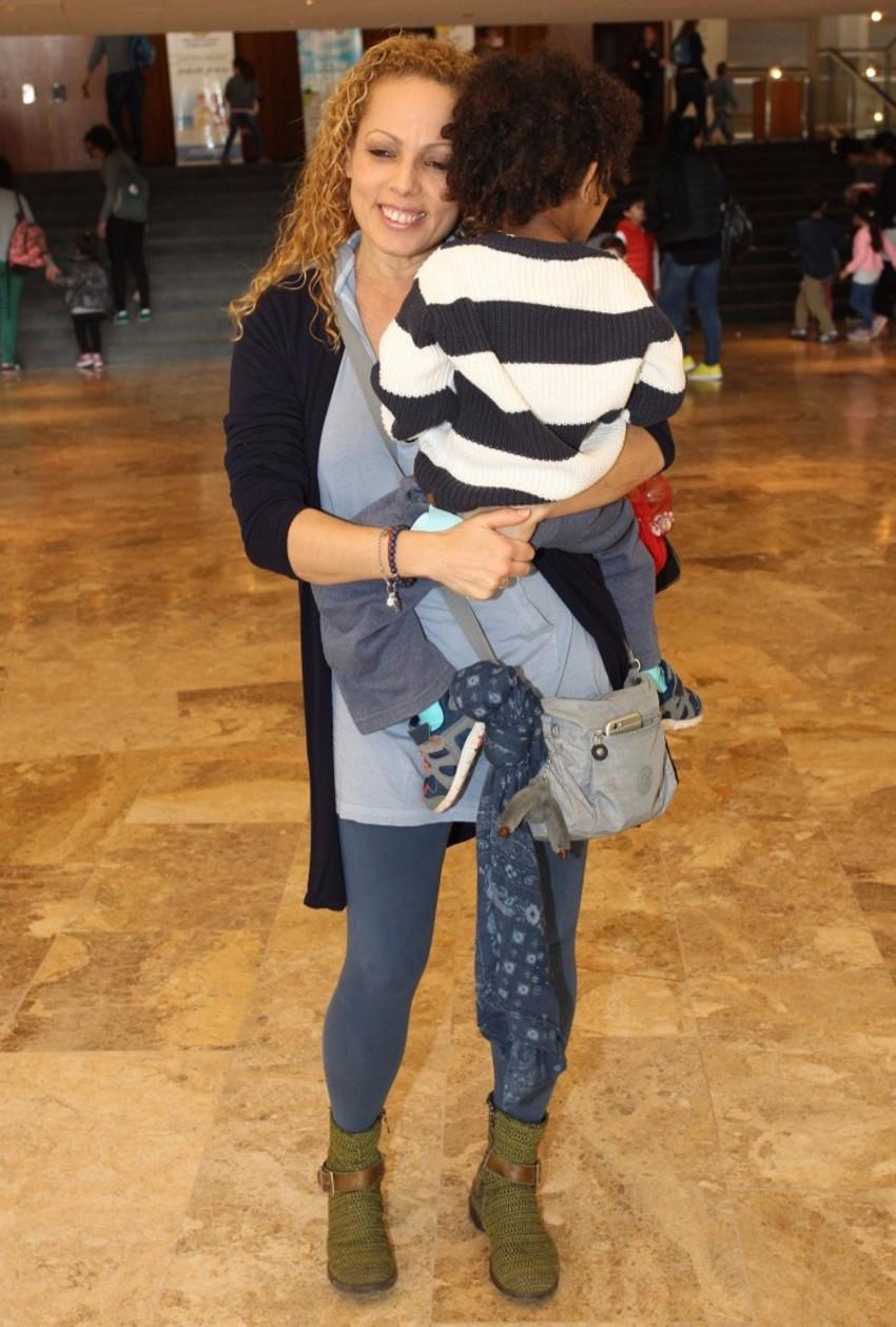 אורלי וילנאי והבן (צילום: רפי דלויה)