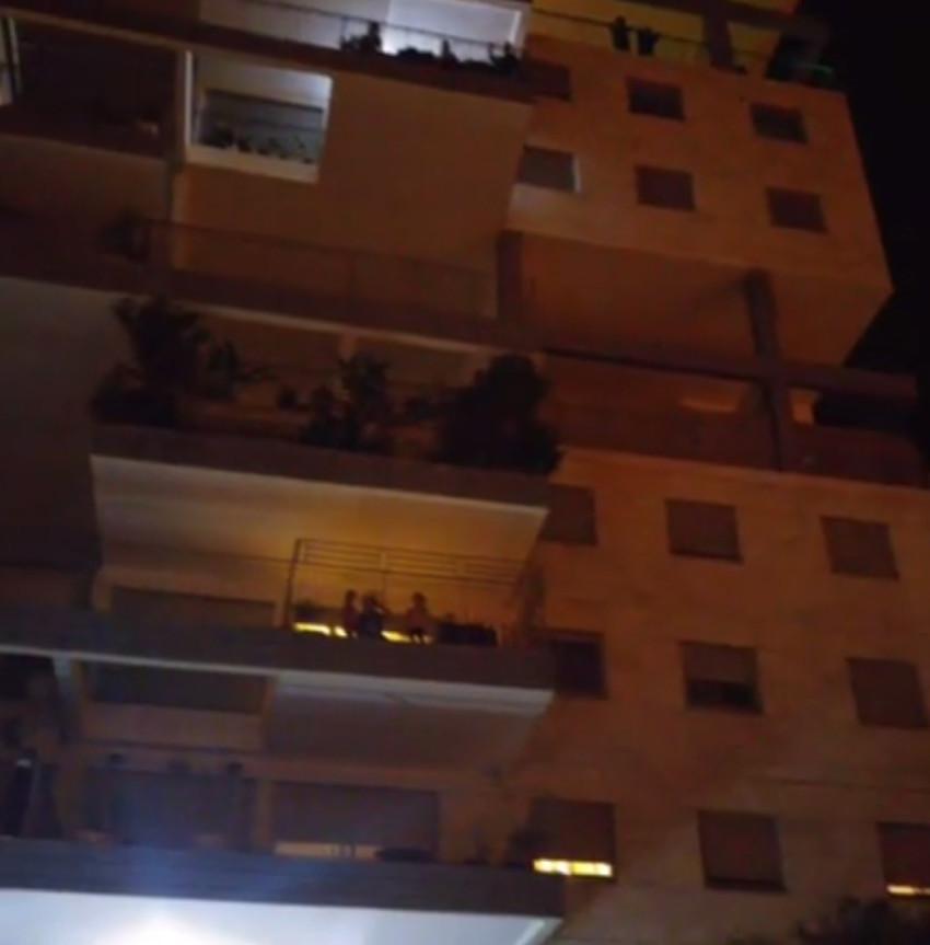 השכנים זועמים בבניין של רפאלי ועזרא